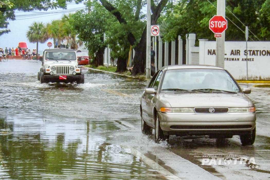 Überflutete Strasse in Key West