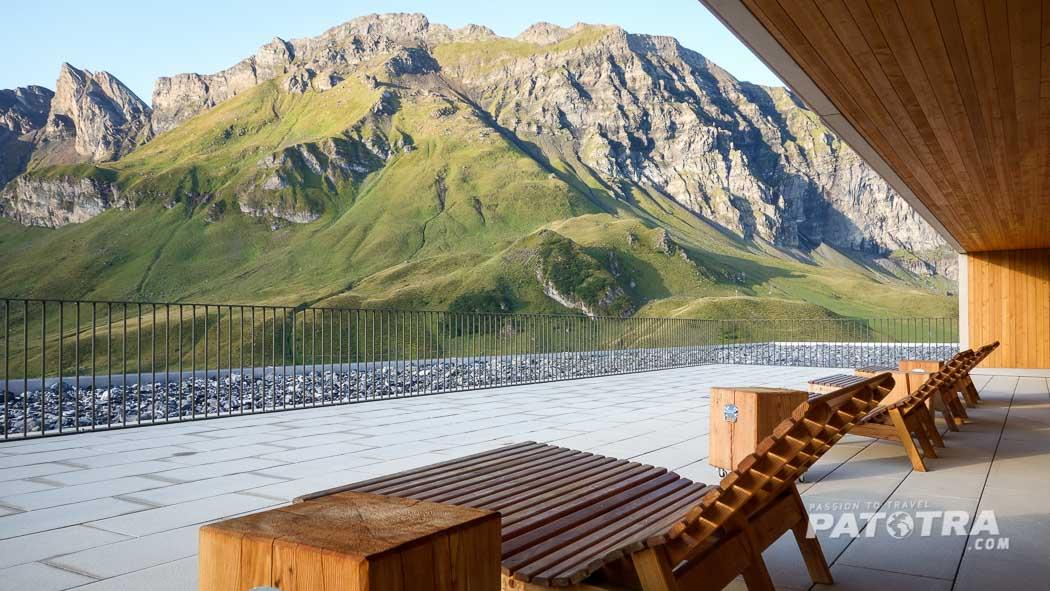 Terrasse des Hotel Frutt Lodge & Spa