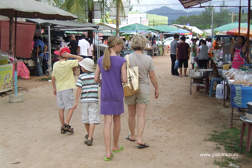 Markt Khao Lak