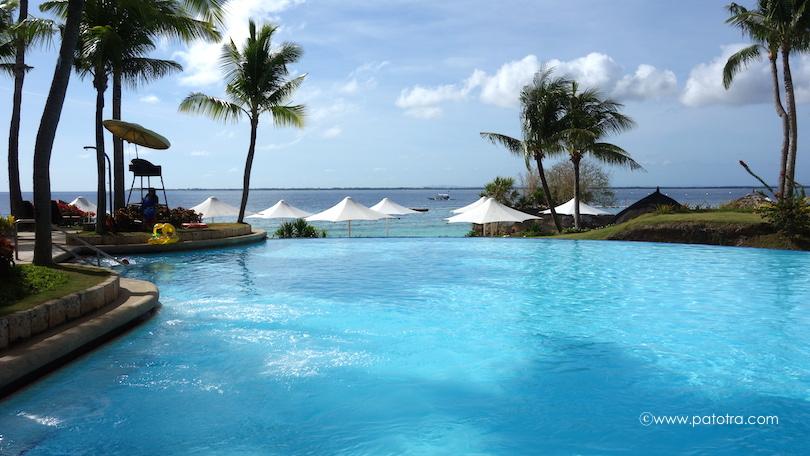 Infinity Pool Shangri La Cebu
