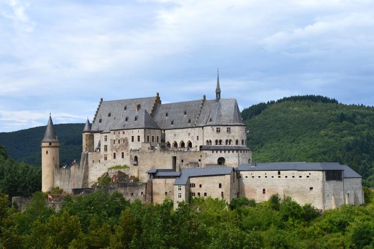 Aufwendig restauriert und erstaunlich hell und freundlich praesentiert sich das Chateau Vianden