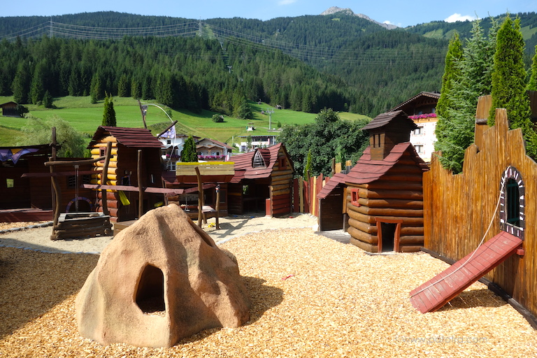 Spielplatz Alpenrose