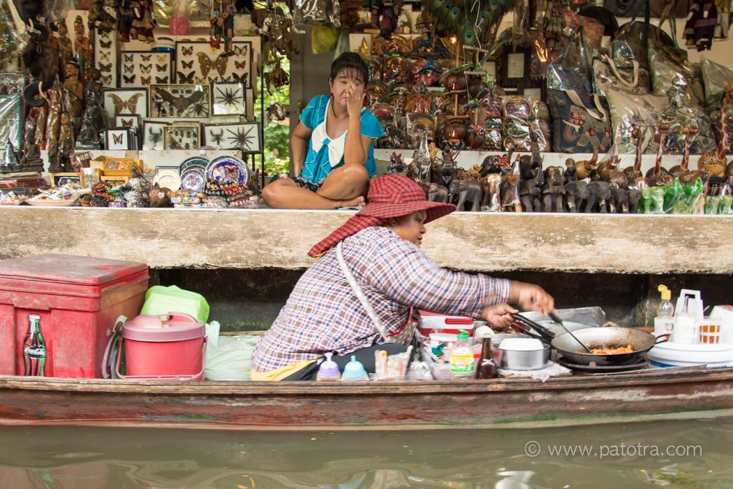Leben am schwimmenden Markt
