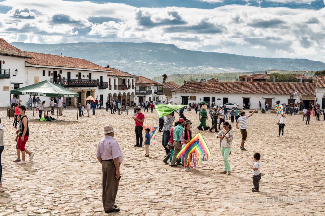 Drachen steigen lassen in Villa de Leyva