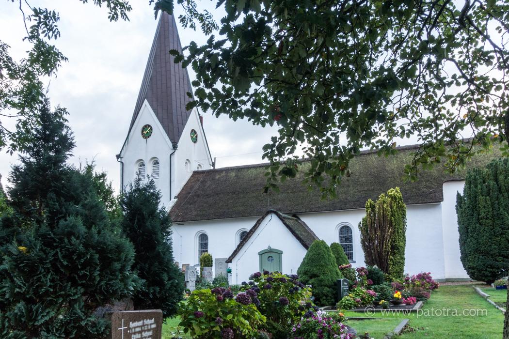 nebel-kirche