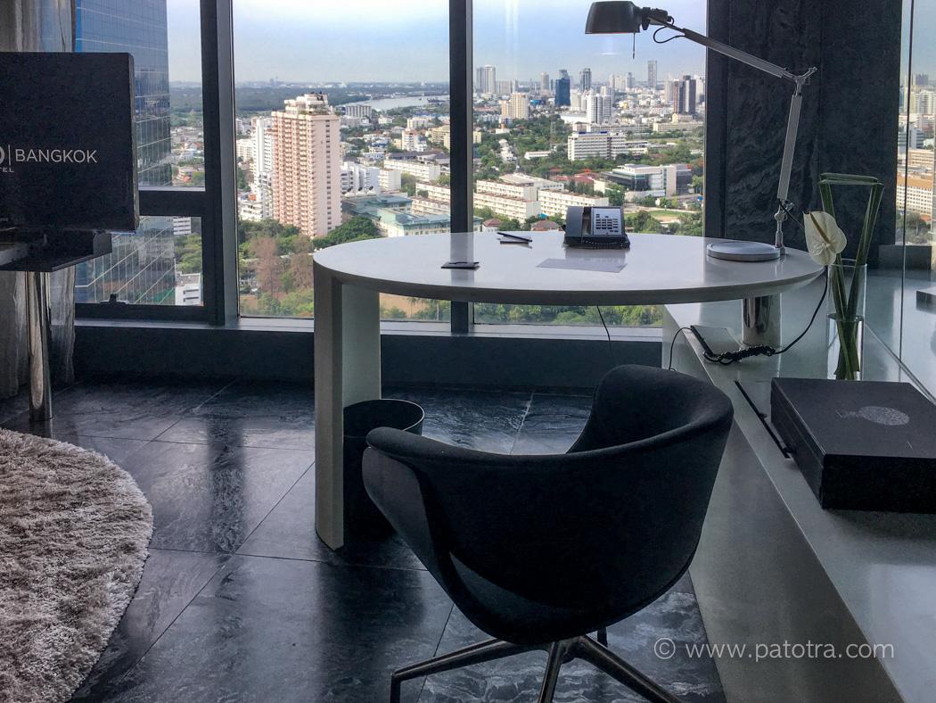 Hotel SO Sofitle Bangkok Schreibtisch