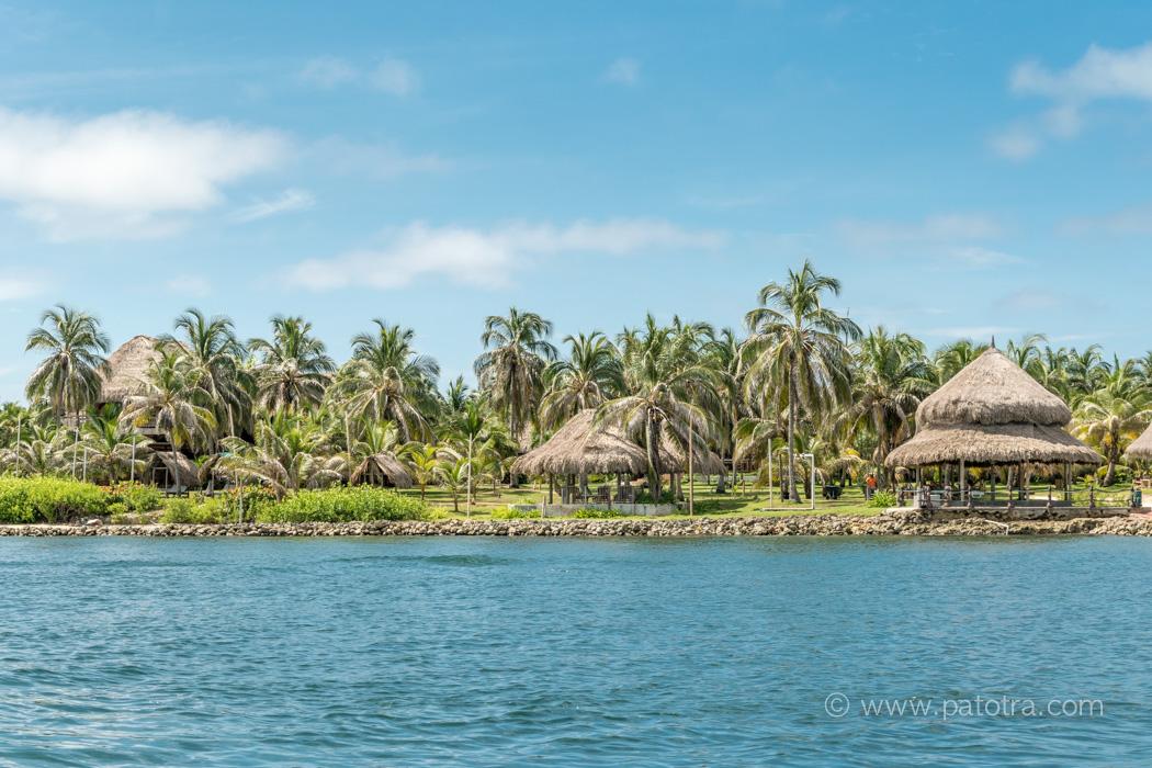 Isla Mucura vom Meer aus