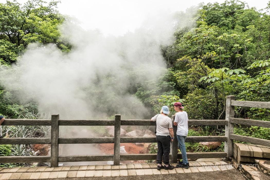 Rinvon de la Vieja vor den blubbernden Vulkanschloten