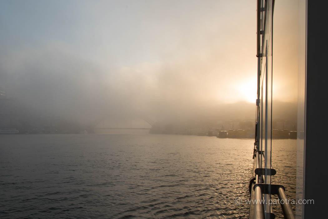 Porto im Nebel