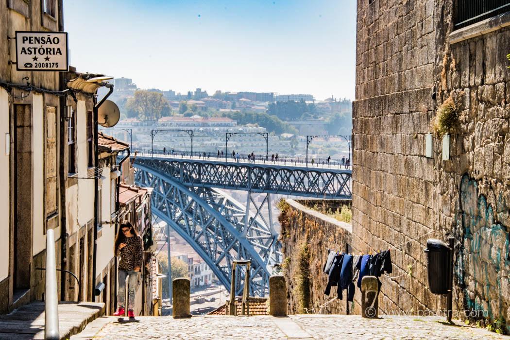 Porto Strasse mit Blick