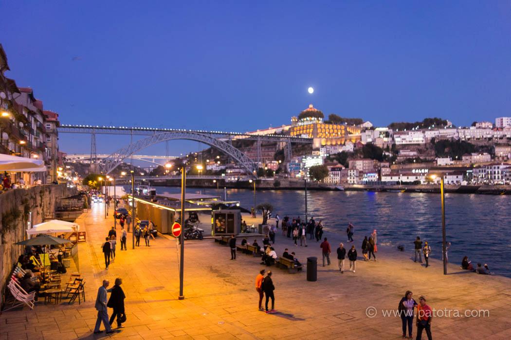 Der Mond über Porto