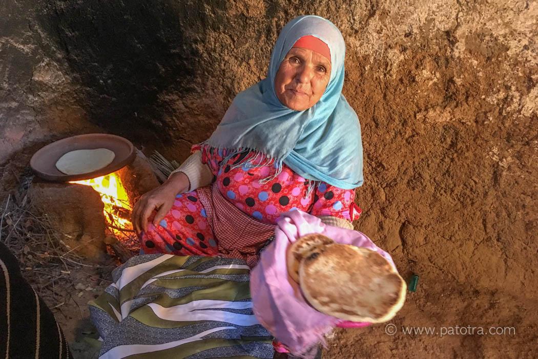 Fladenbrot backen in Marokko