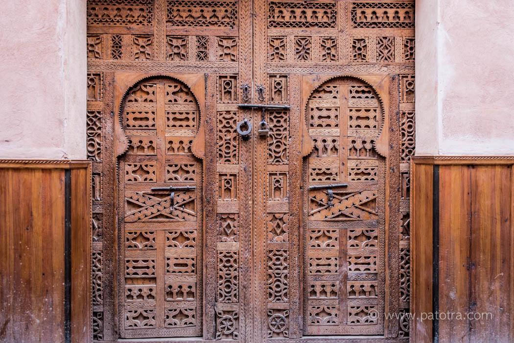 Marrakesch geschnitze Haustuere
