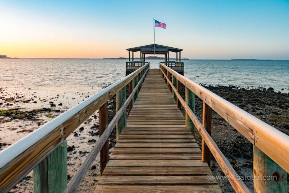 Bootssteg auf Cedar Key im Morgenlicht