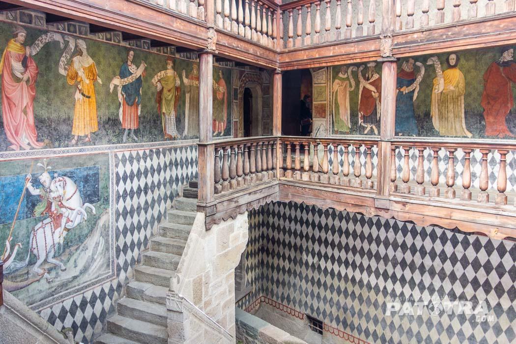Fenis Schloss
