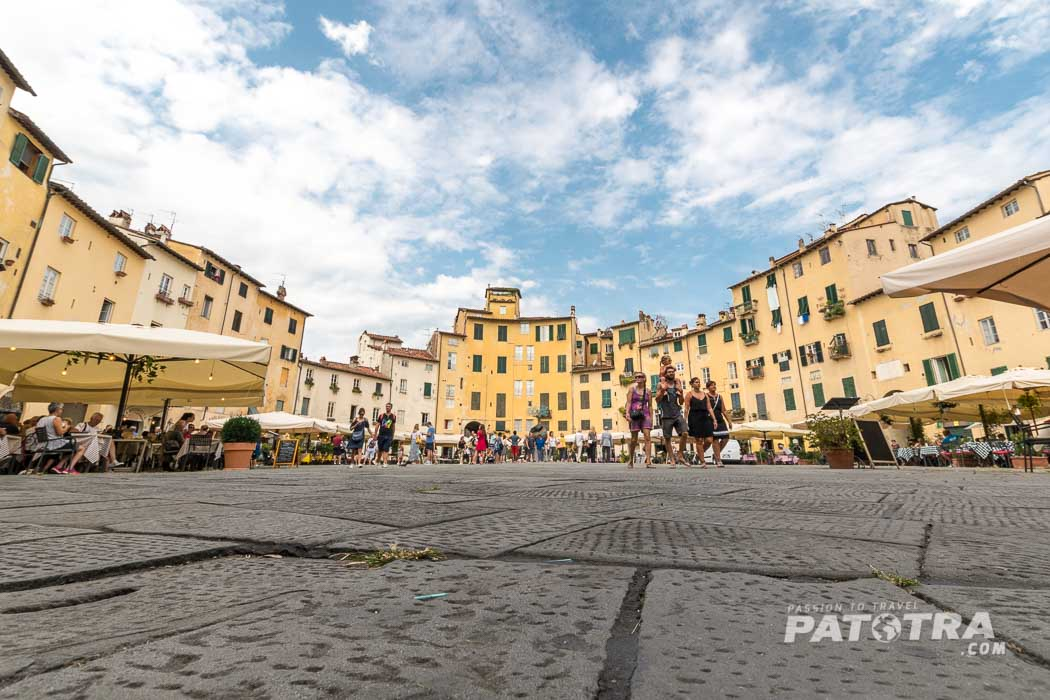 Piazza del Anfiteatro Lucca