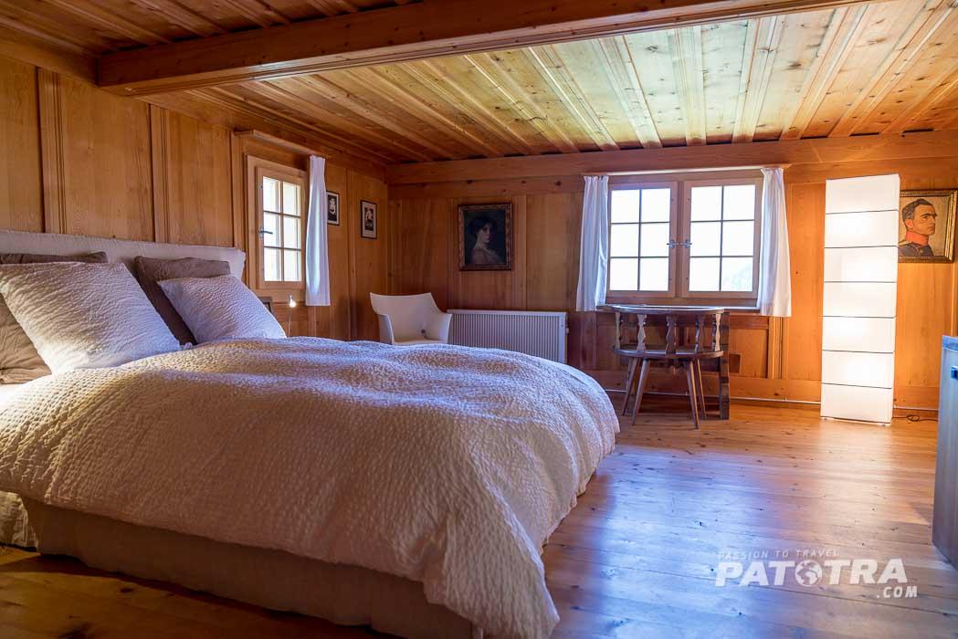 Das Schlafzimmer ist sehr gemütlich