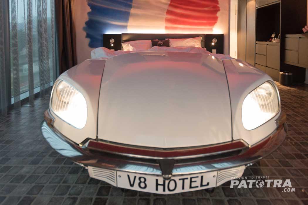 Bett V8 Hotel