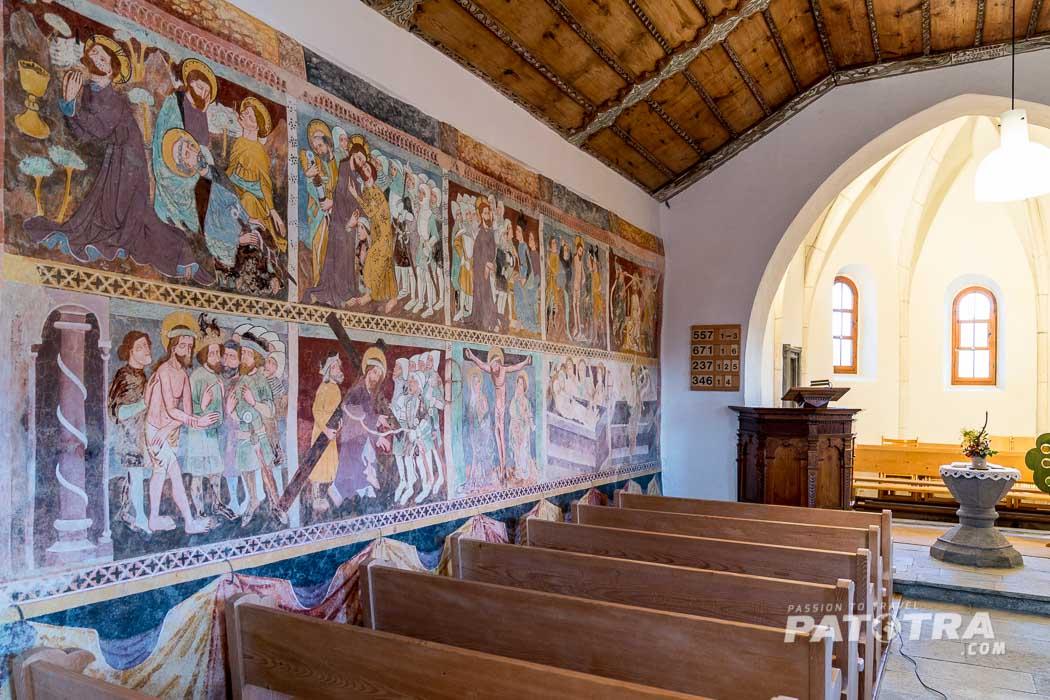 Die Fresken in der Kirche von tenna