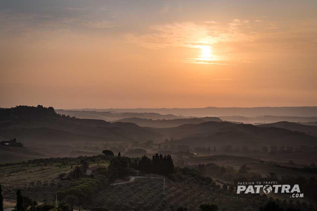Morgenstimmung über der Toskana