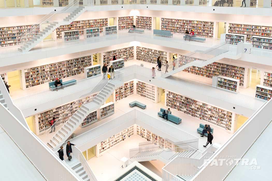 Im Inneren der Stadtbibliothek