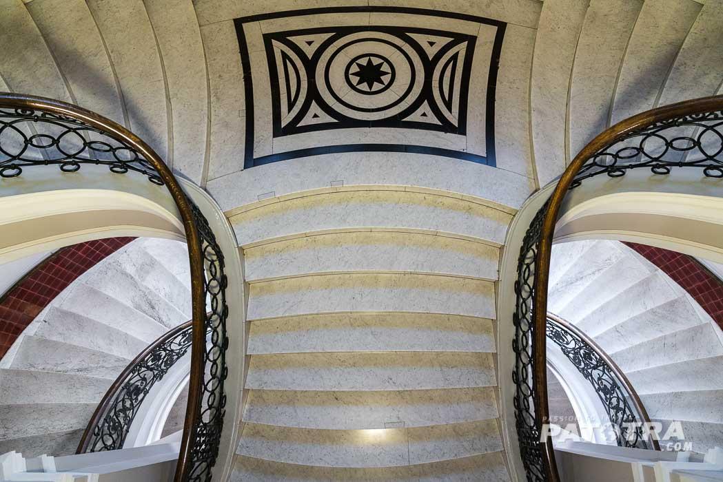 Fotogenes Treppenhaus in der Baumwollbörse