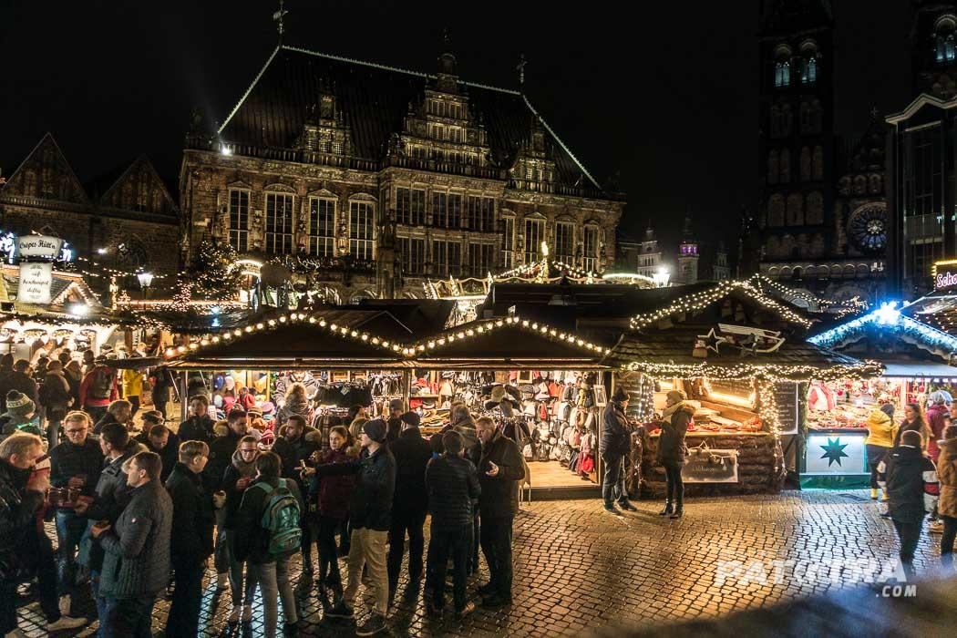 Der Bremer Weihnachtsmarkt am Rathausplatz