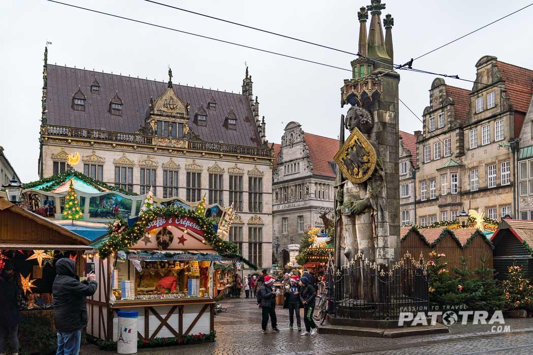 Der Weihnachtsmarkt in Bremen bei Tag