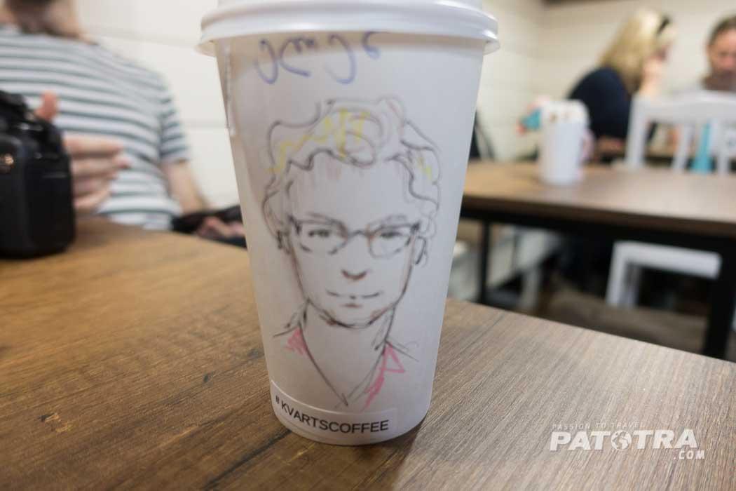 Ein Kaffee mit Portrait