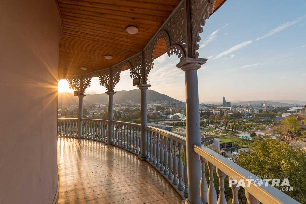 Der Blick vom Königin Darejan Palast auf die Stadt