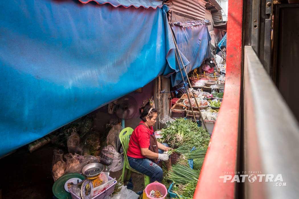 Marktstände Gleise Thailand