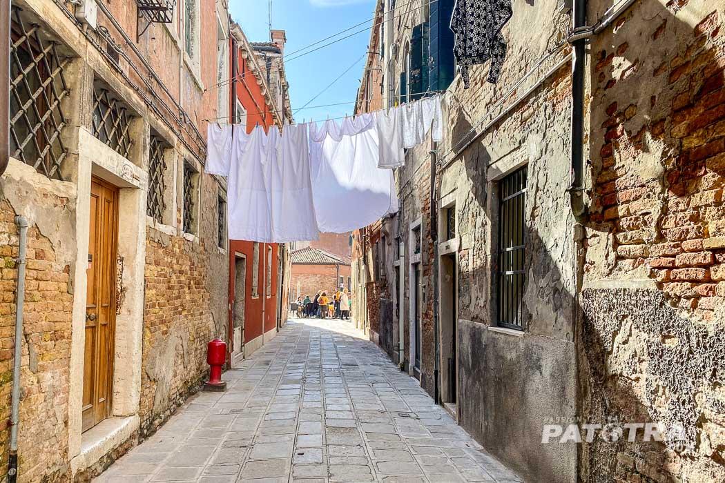 Venedig - die Wäsche flattert im Wind