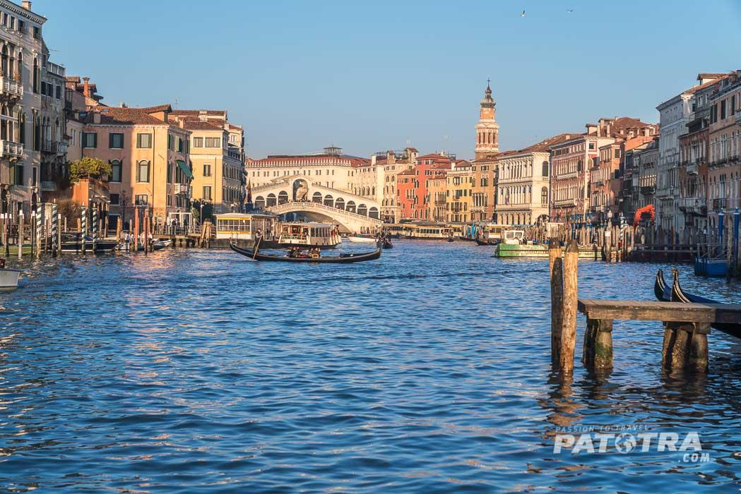 Venedig Blick zur Rialtobrücke