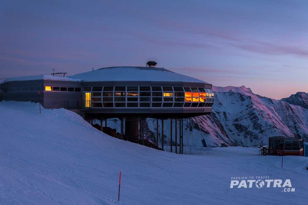 der Sonnenuntergang über dem Restaurant Bettmerhorn