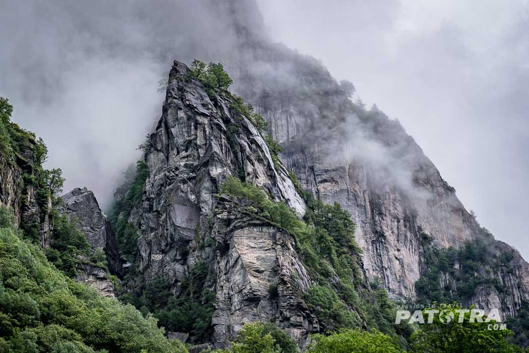 Felsformationen im Val Bavona