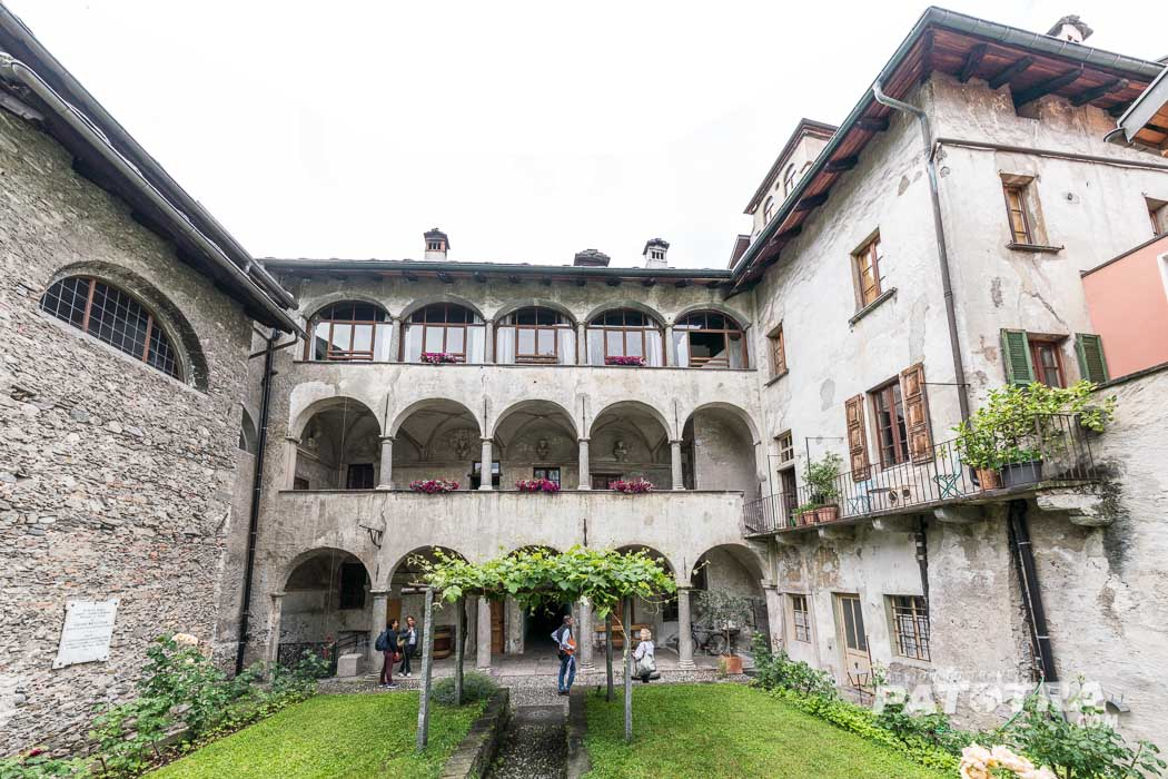 Ein Klosterhof in Locarno