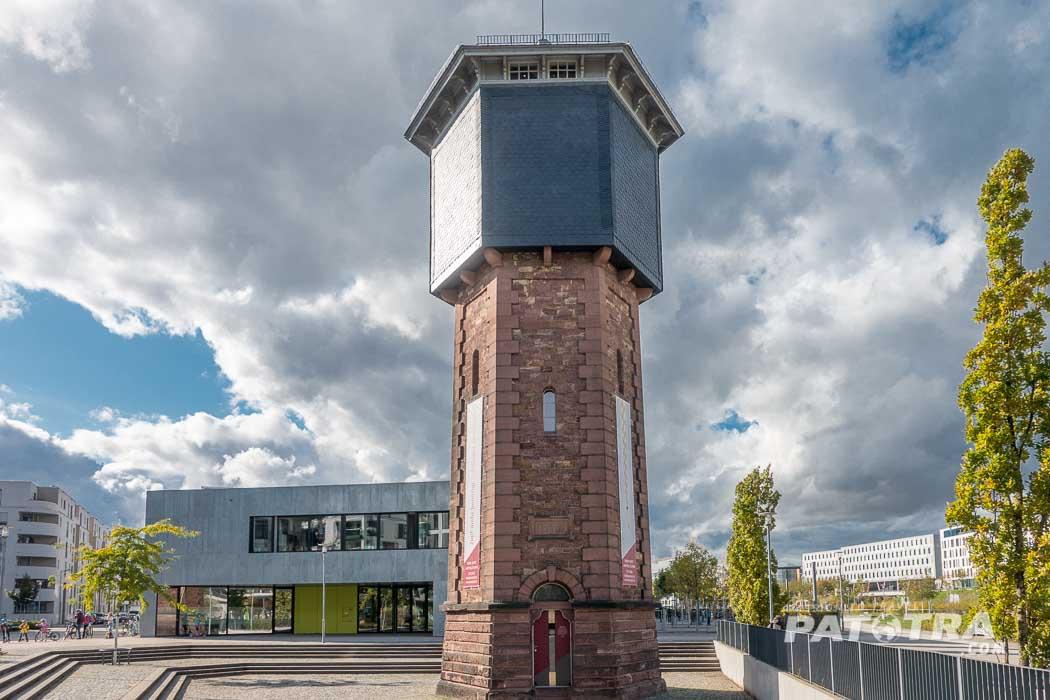 Das kleinste Hotel von Karlsruhe - schlafen im Wasserturm