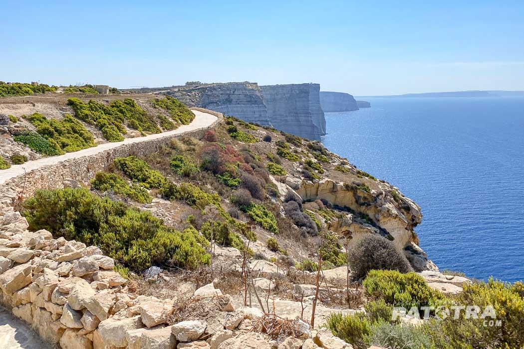 Die Steilküste von Gozo